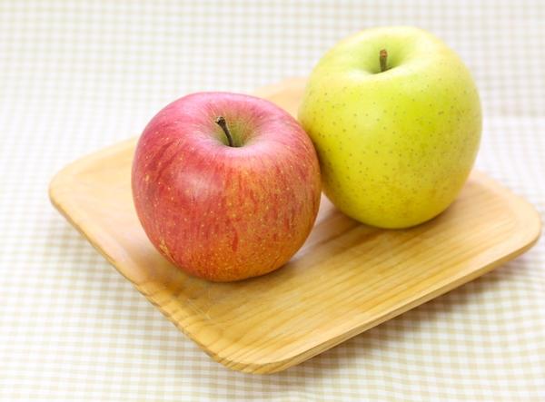 リンゴでダイエットするなら赤より青よ!