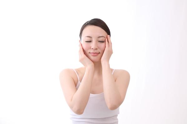 乾燥肌対策に乳液洗顔してみる?