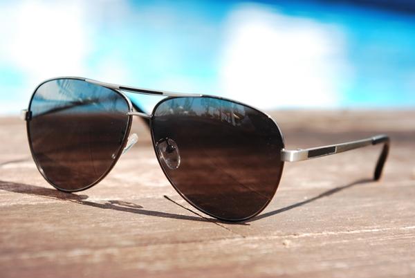 目の紫外線対策に有効なサングラスはこうして選ぼう