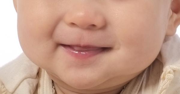 唇の荒れをリップで治したいときのリップの選び方