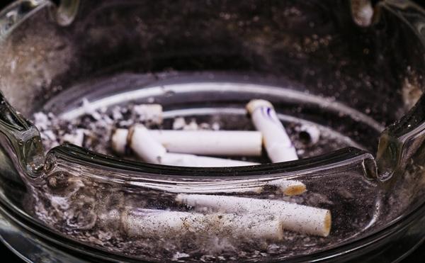 紫外線対策しててもシミができるのはタバコが原因かもね