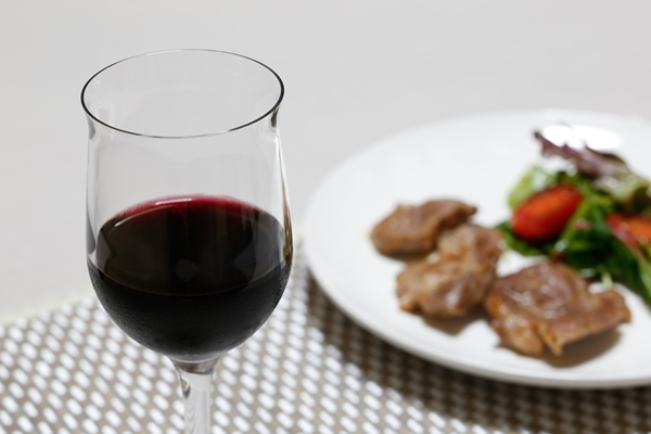 レスベラトロールは赤ワインよりもサプリで摂った方がいいかも