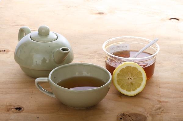 下痢で辛いときは蜂蜜を入れたホットな飲み物を!