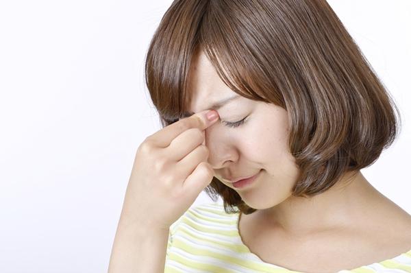 寝起きの瞼がパンパンに腫れないために気をつけたいこと